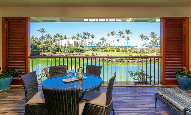 Spacious Lanai with Relaxing Views!