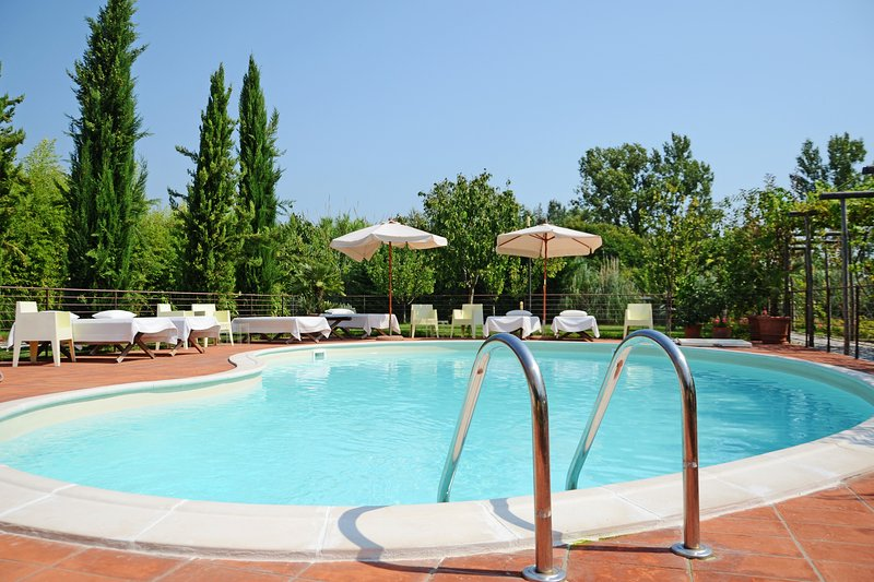 Le Jardin Rouge, vacation rental in Lido Di Camaiore
