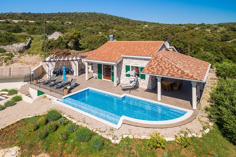 Villa Stone Beauty, vacation rental in Rogoznica