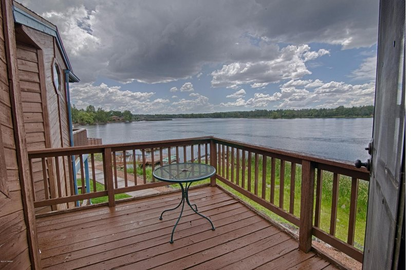 *LAKESIDE RETREAT* In White Mountains, Sleeps 8, BREATHTAKING Sunsets, EV charge, location de vacances à Pinetop-Lakeside
