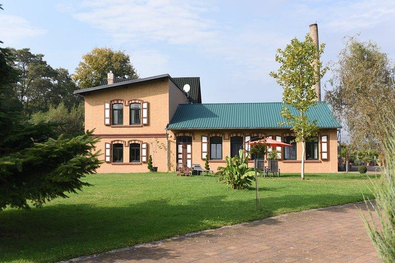 Ferien im Grünen, doch stadtnah, holiday rental in Urbach