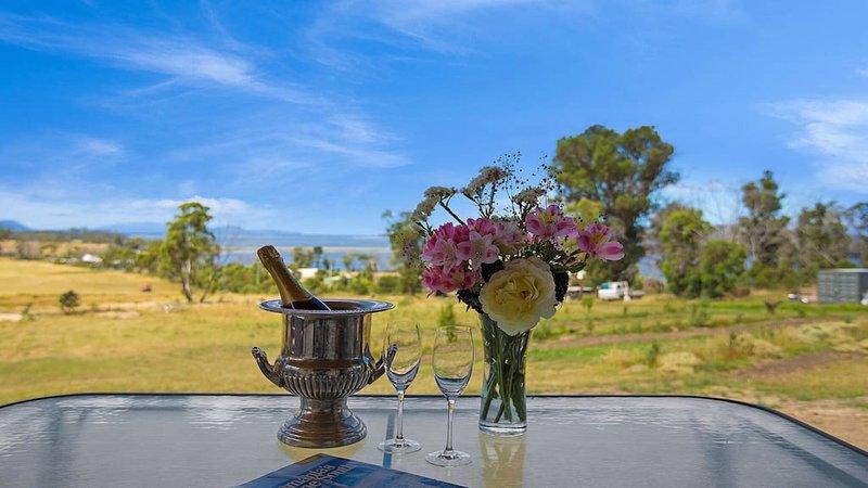 godere di una bevanda fresca sulla veranda