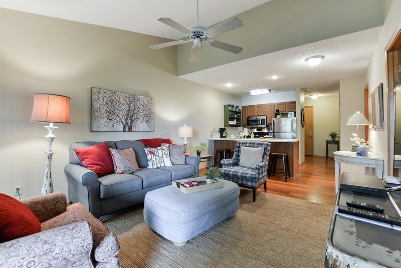 Professionally decorated with Ozark charm!