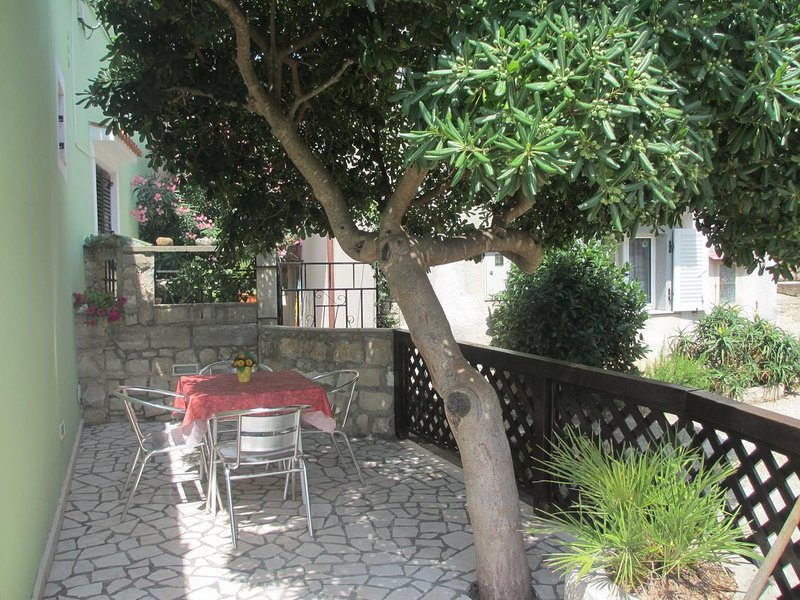 Kalk Apartment Sleeps 4 with Air Con - 5467752, holiday rental in Cunski