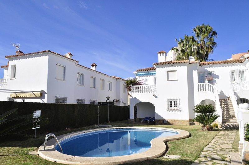 Family Beach Club Sevilla I, holiday rental in Oliva