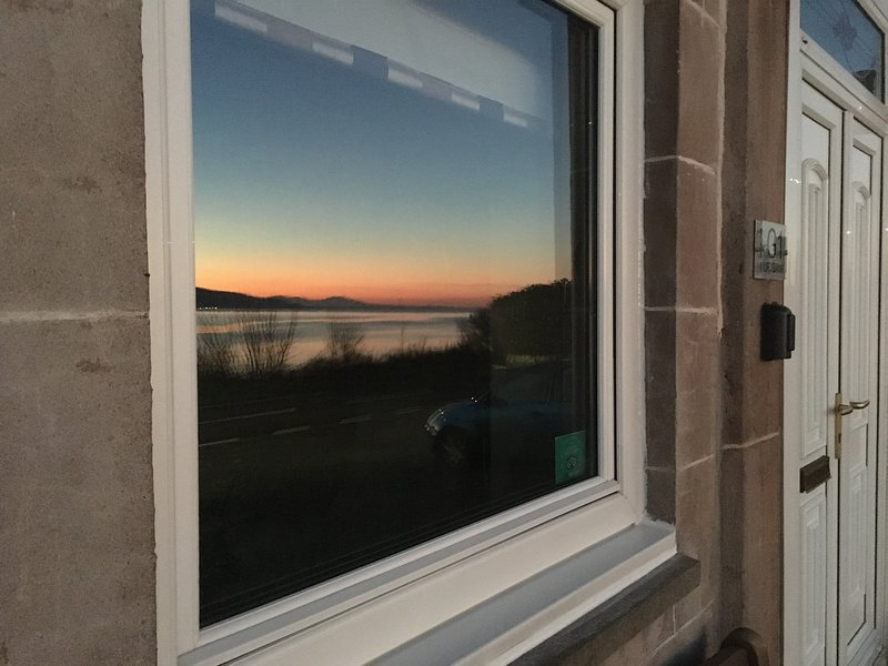 Loch View Apartment, Cove, holiday rental in Blairmore