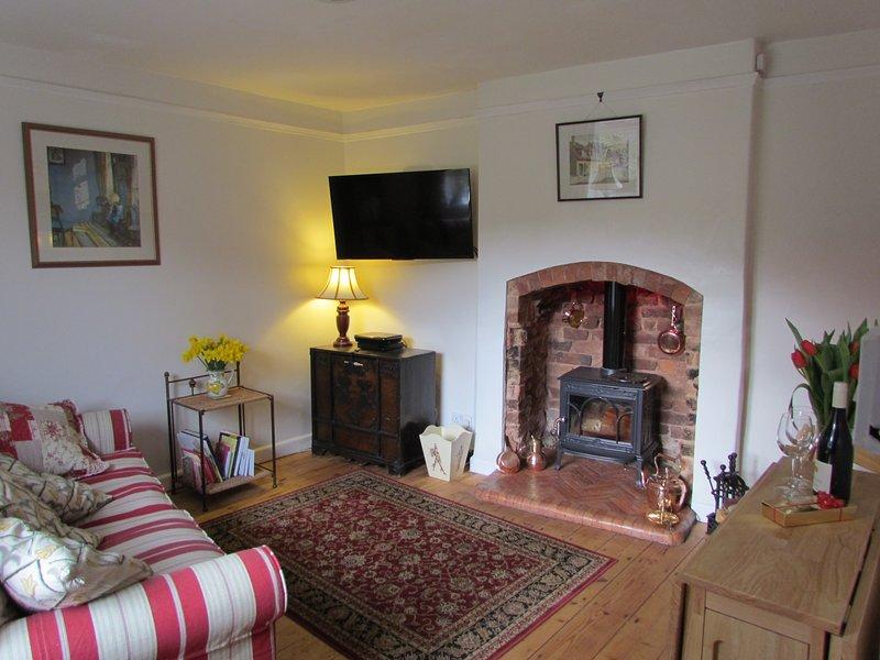 Stone Cottage - cosy, romantic gem in the conservation village of Milverton, location de vacances à Brompton Ralph
