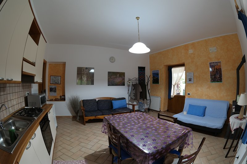 Apartment Le Terrazze on hills of Perugia Has Secure Parking and ...