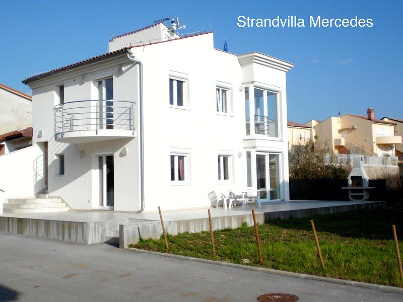 Strandvilla Mercedes am Badestrand von Medulin-Posesi, aluguéis de temporada em Medulin