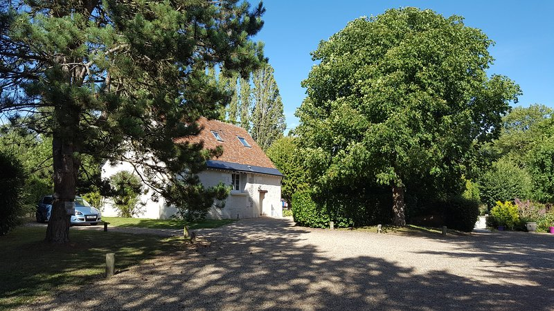 Gite du Moulin de Bacchus, vacation rental in Nazelles-Negron