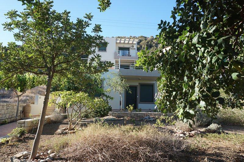 Portela Apartments Kampoula 1, location de vacances à Charakas