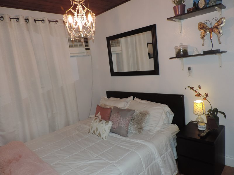 Beautiful Room, Bed and Breakfast (continental) Private Pool/Hot tub (Sunset), alquiler vacacional en Florida City