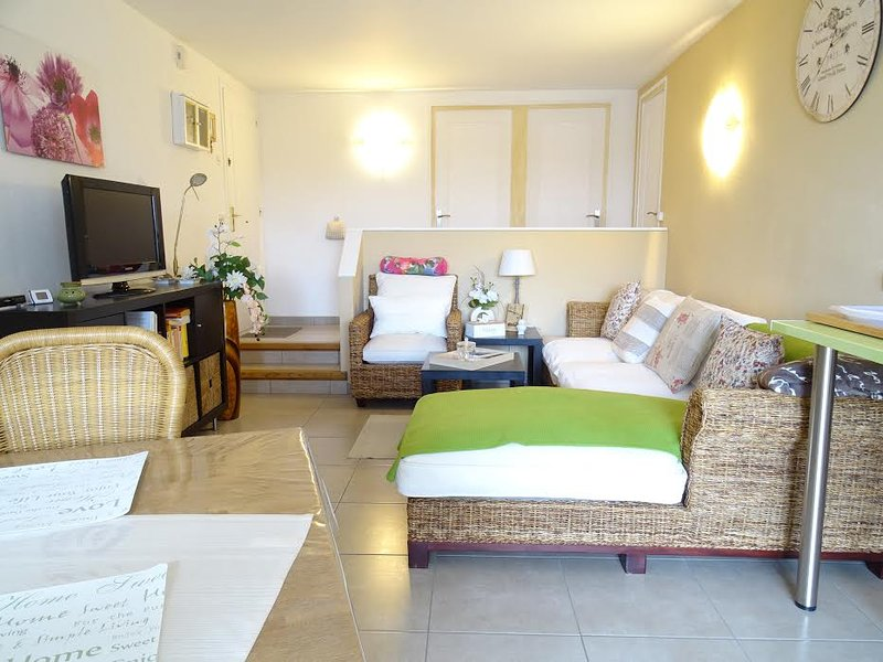 COSTA BRAVA - Platja d' Aro -Appt POLITUR, vacation rental in Platja d'Aro