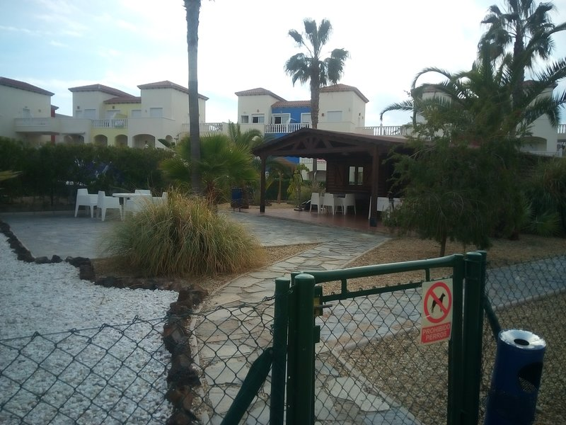 Exterior view of Caseta leisure. Internet, table games, tennis mini-golf, Library ...