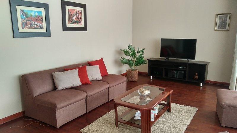 Apartamento en San Isidro, holiday rental in Lince