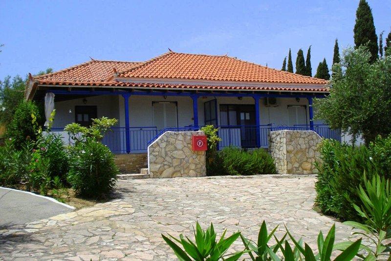 Takis, vacation rental in Koroni