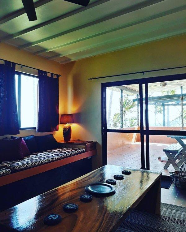 Sala de zaragata, 4 camas individuais. acesso directo à zona Pátio.