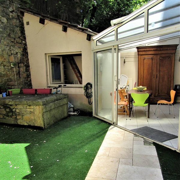 'Canut' french style apartment- BBQ & Courtyard, holiday rental in La Tour-de-Salvagny