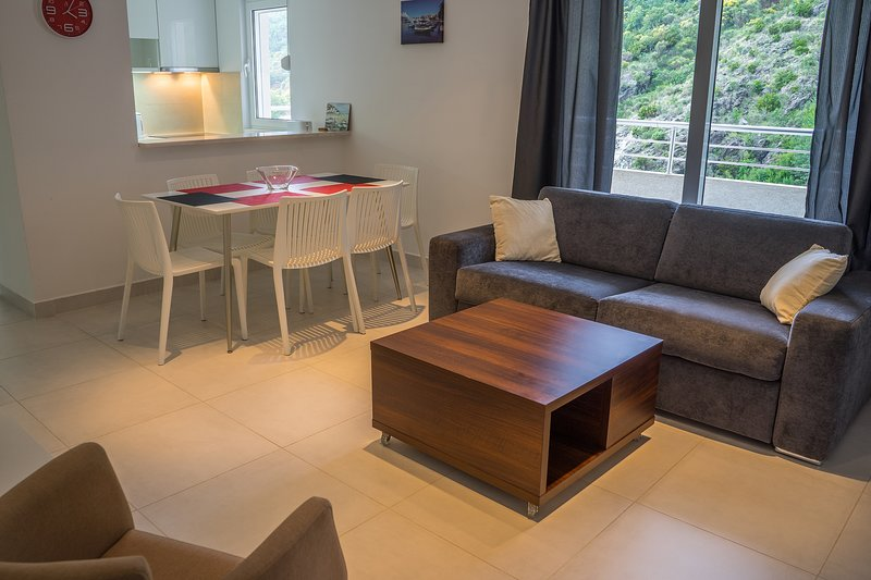 Blue Wave Apartment Becici, holiday rental in Becici