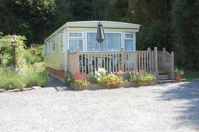 Caravan in pretty woodland setting near Looe sleeps 6, holiday rental in Polbathic