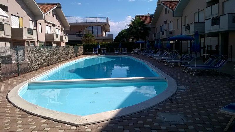 appartamento residenziale, holiday rental in San Salvo Marina