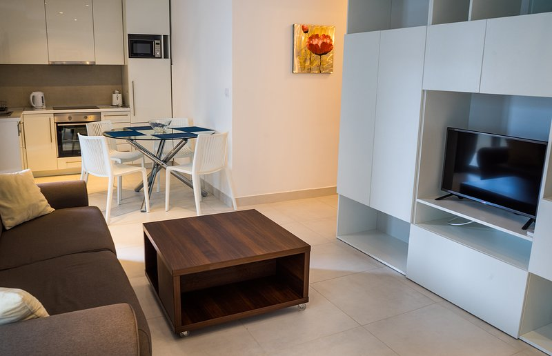 Blue Seashell Apartment Becici, holiday rental in Becici