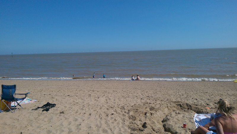 Holiday flat with sea view and sandy beach, location de vacances à Clacton-on-Sea