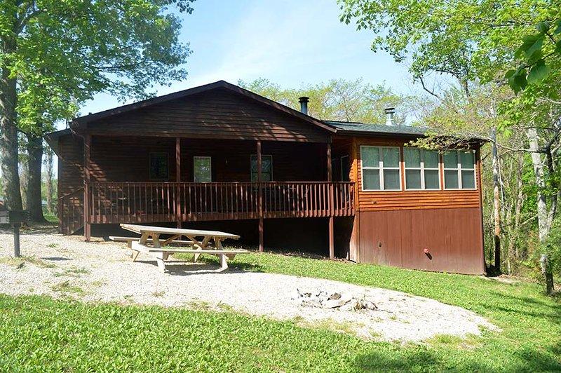 Cabin Sixteen Solarium, vacation rental in Taswell
