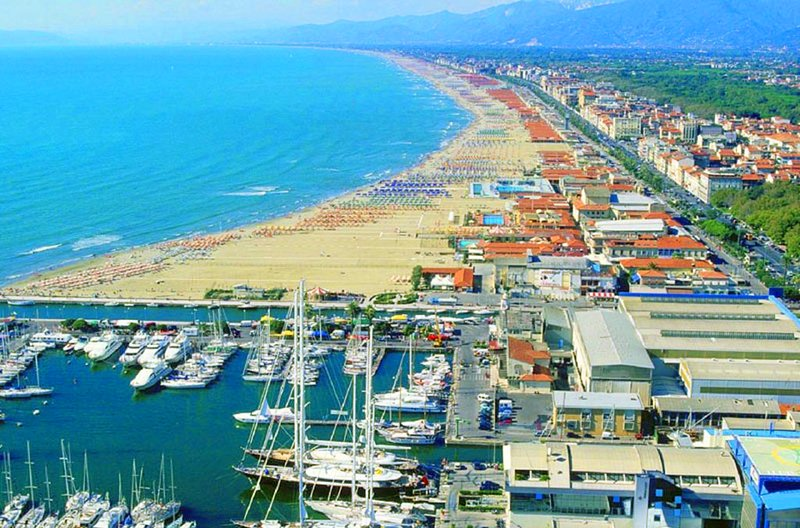 The sandy beaches and fish restaurants of Viareggio are just 20 minutes drive away.