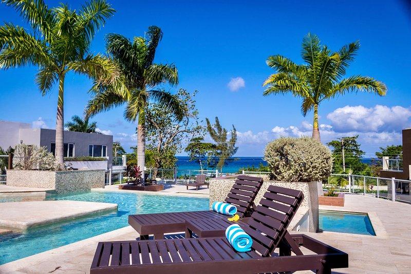 Nautical Homes Miramar 2 Bedroom Has Patio And Hot Tub
