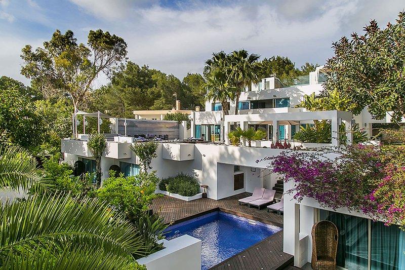 Casa Asia, vacation rental in Roca Llisa