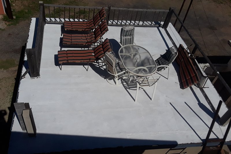 Sun Deck, 4 Lounge Chairs, table and Chairs. Baja Joes Hideout has 3 different Decks with Ocean view