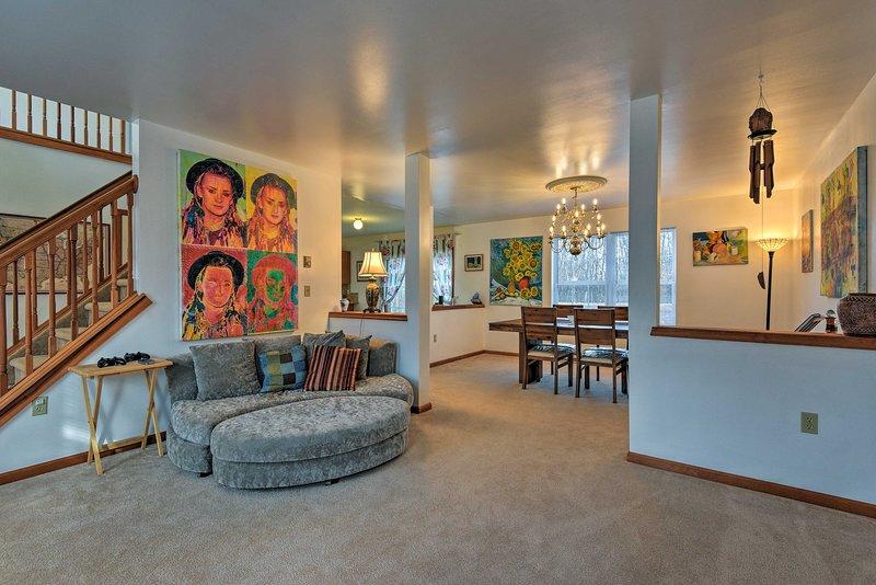Esta casa de 2.000 pés quadrados acomoda confortavelmente 5.