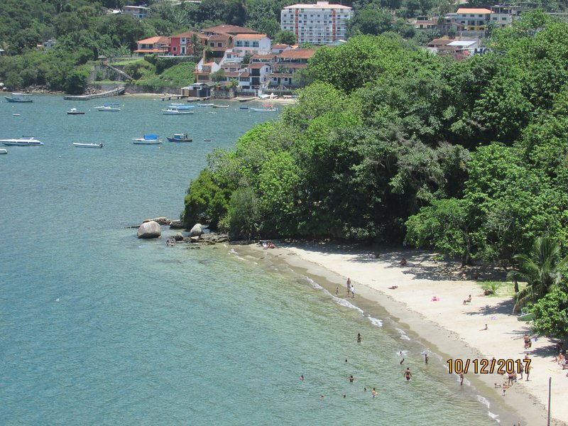 Bladder Beach, located in the neighborhood, about 200 meters from the apartment view from the Lookout.