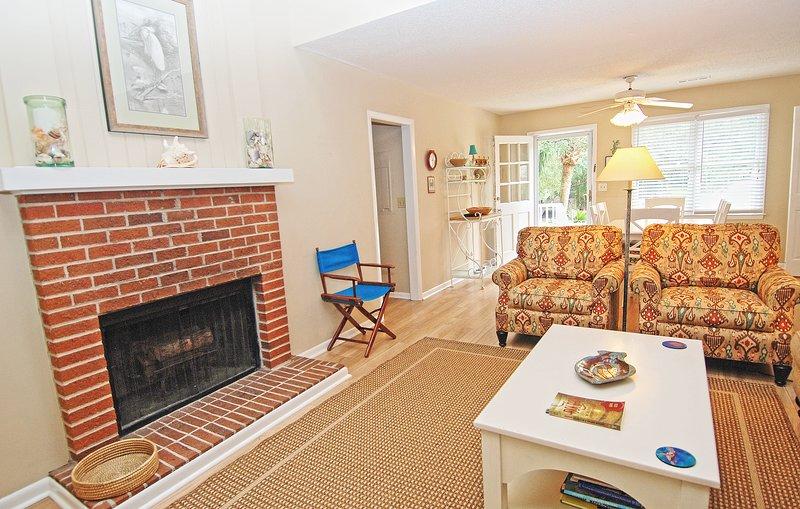 Dieser offene Wohnbereich eignet sich perfekt für ein Treffen mit Ihrer Familie und Freunden.
