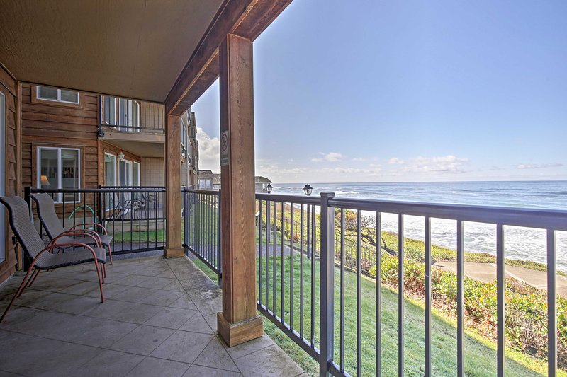 Escape to the ocean at this 2-bedroom, 2-bathroom vacation rental in Lincoln.