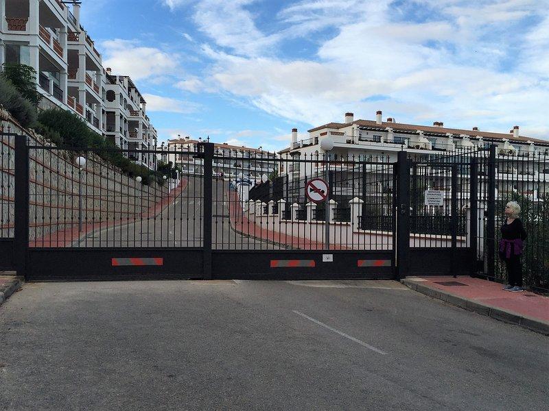 cancello anteriore della proprietà