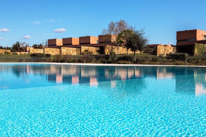 Vista a la piscina comunitaria