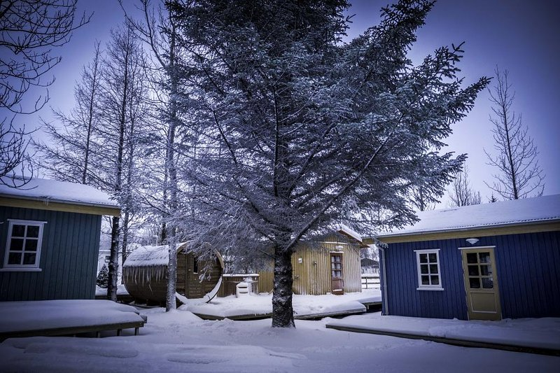 Backyard Village - Turquoise House, holiday rental in Arborg
