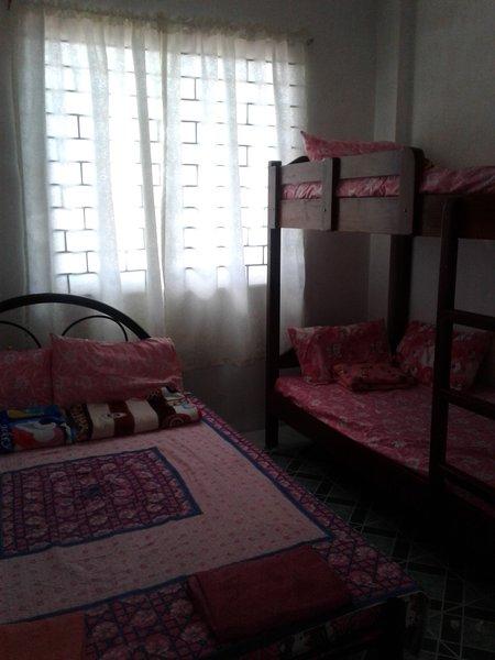 UGL1 2-Bedroom Apartment Unit 2B, location de vacances à La Union Province