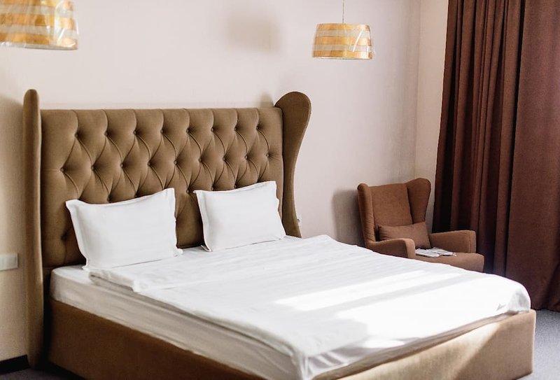 Keremet Hotel - Suite Room 4, vacation rental in Almaty