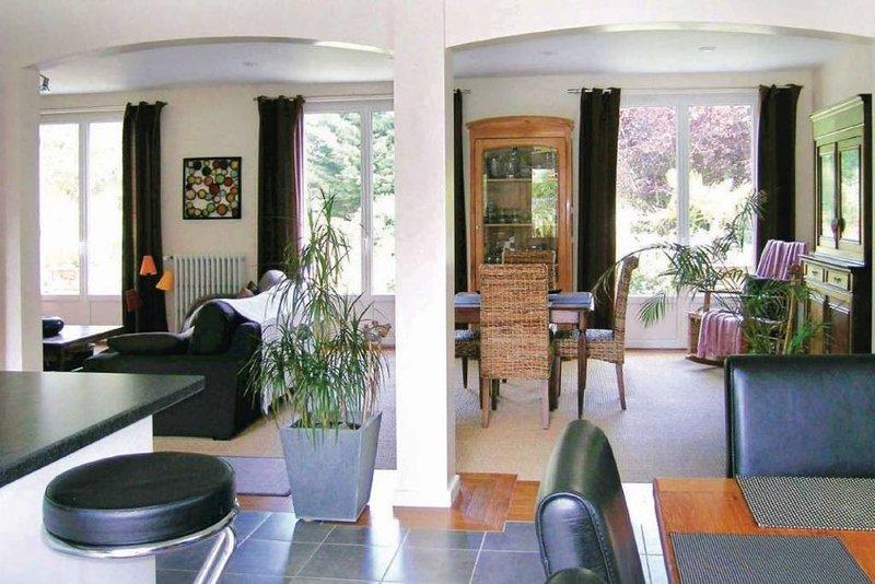 Maison de charme à 300 m de la mer, vacation rental in Hillion
