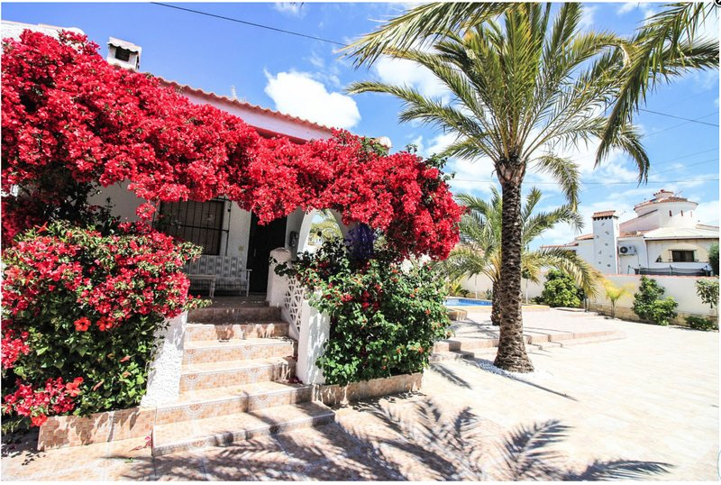 Villa Irene Ciudad Quesada R7, holiday rental in Algorfa