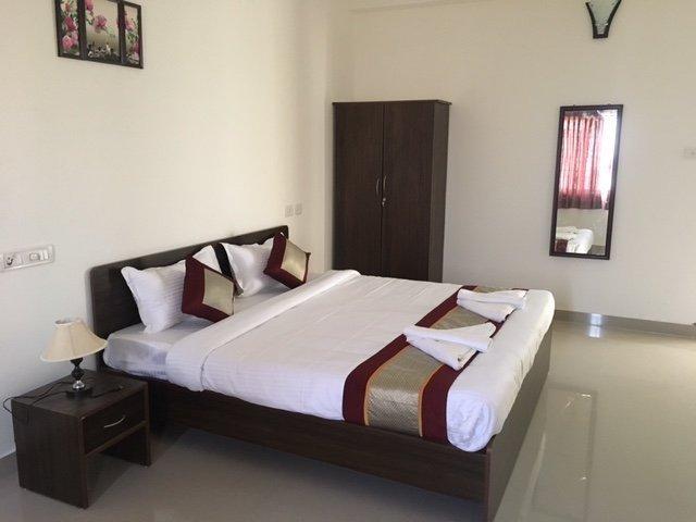 Sun Shine Hotel Unit 103, vacation rental in Muttukadu
