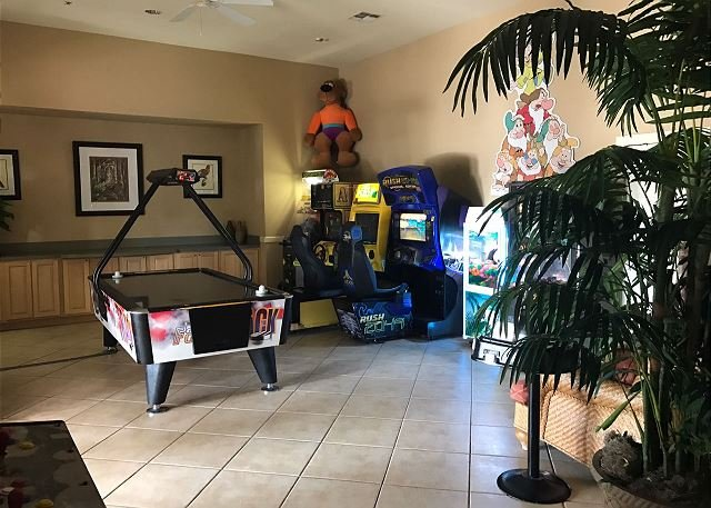 sala de juegos - máquinas recreativas
