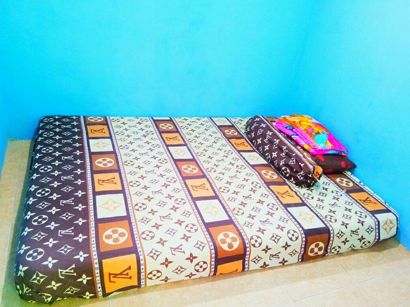 Double Room in Prima Homestay, location de vacances à Yogyakarta