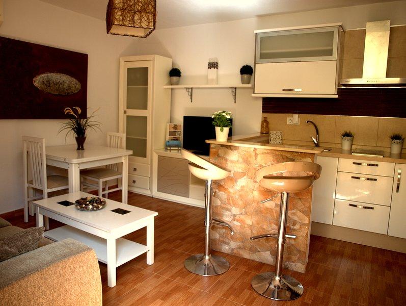 Apartamento coqueto en Tarifa con wifi, vacation rental in Pelayo