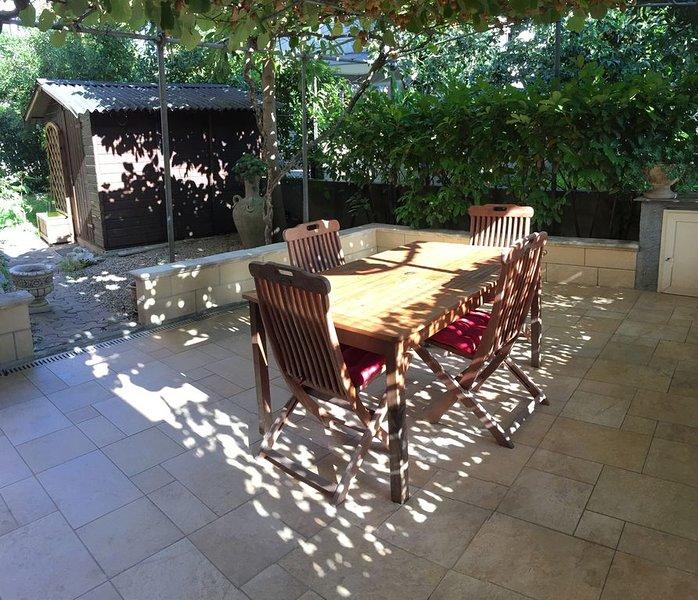 petit coin de paradis dans résidence, casa vacanza a Montesilvano