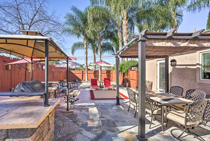 This home features a beautiful backyard and is just 5 minutes from downtown!