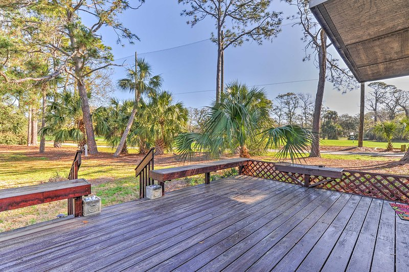 Escape to Hilton Head Island at this vacation rental condo!